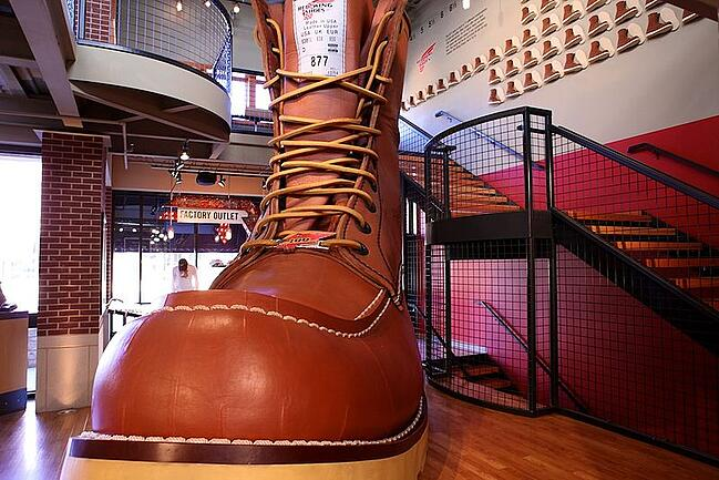 800px-Red_Wing_Shoe_Boot_Factory_32.jpg