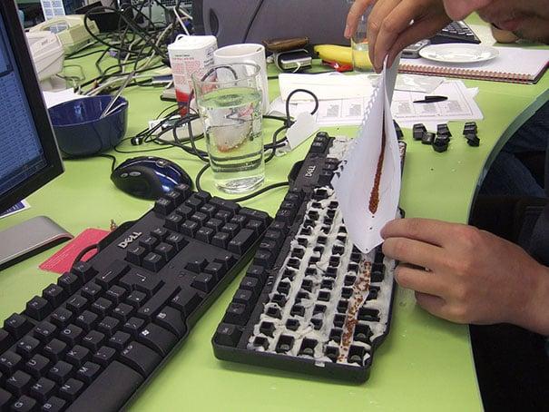 seeds-in-keyboard.jpg-t1474984249835width669nameseeds-in-keyboard.jpg